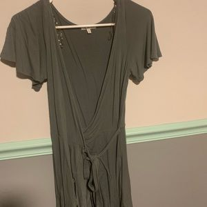 Charlotte Russe XS : Olive green wrap dress
